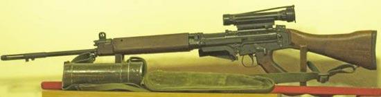Штурмовая винтовка C1A1 с оптическим прицелом