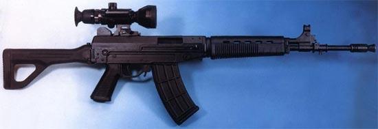 автоматQBZ-03 / Type 03 с установленным оптическим прицелом