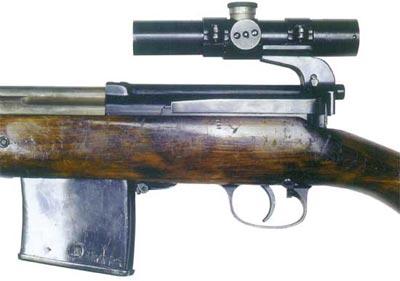 Фрагмент снайперской винтовки СВТ-40 с оптическим прицелом ПУ