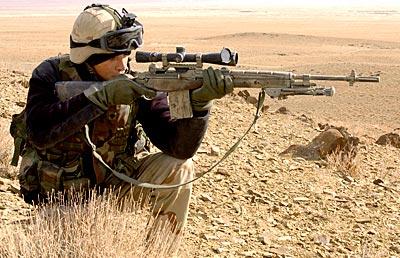 """Снайперская винтовка """"M21""""при стрельбе"""