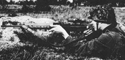 Снайперская винтовка Gew.43 / Kar.43 при использовании немецким снайпером