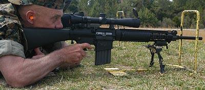 Снайперская винтовка Mk11 mod.0 при стрельбе